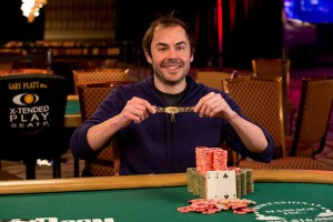 Elio_Fox_2018_WSOP_Ev02_Day01_Thomson_T1_2207