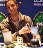 Саймон Оклэнд становится чемпионом Уэльса среди любителей.